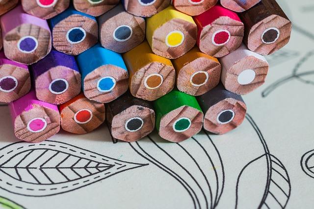 pastelky na omalovánkách